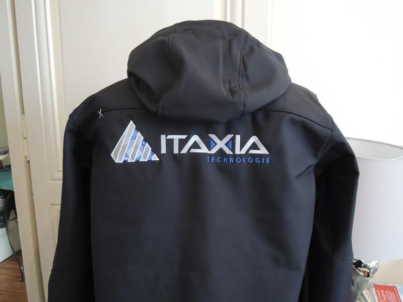 Broderie logo veste softshel brodé dos